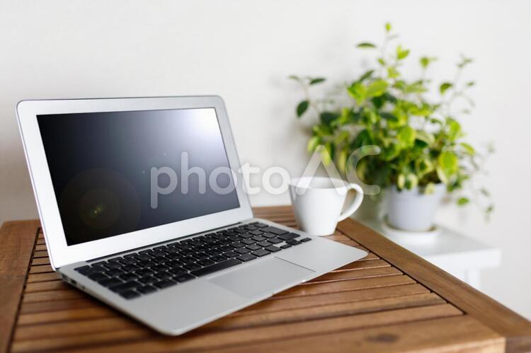 ノートパソコンの写真