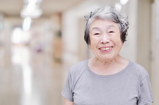笑顔のおばあちゃん3