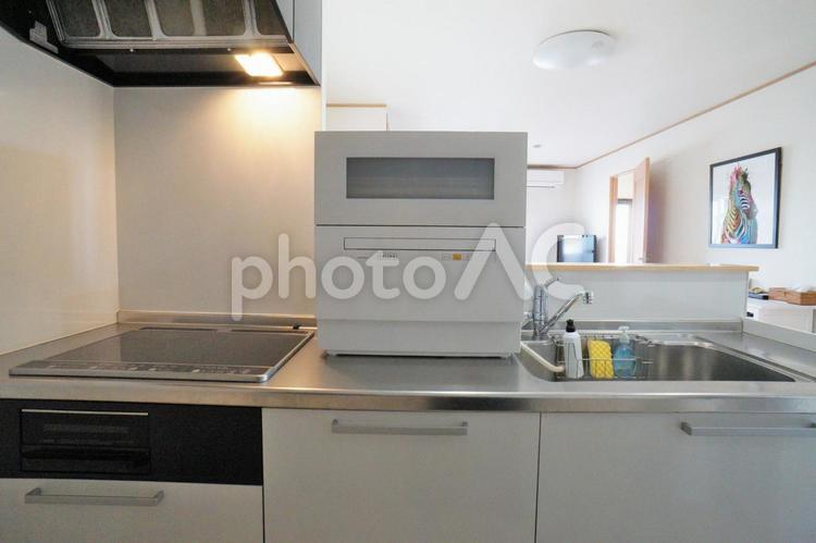 食洗機のあるキッチンの写真