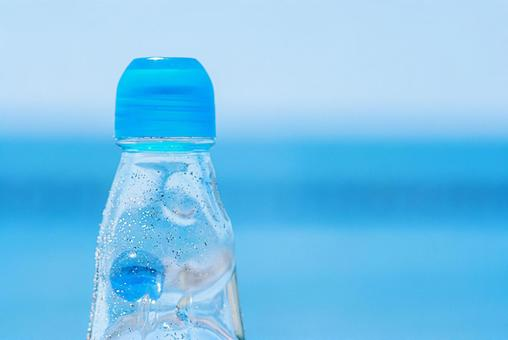 Sea, sky and ramune bottle