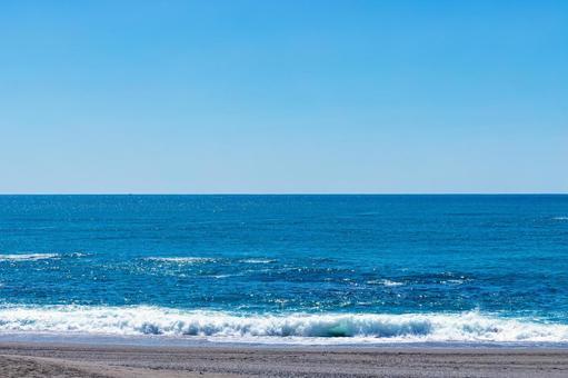 가쓰라 하마의 바다와 푸른 하늘