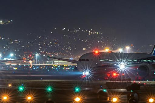 Airport Plane (Itami Airport) 89