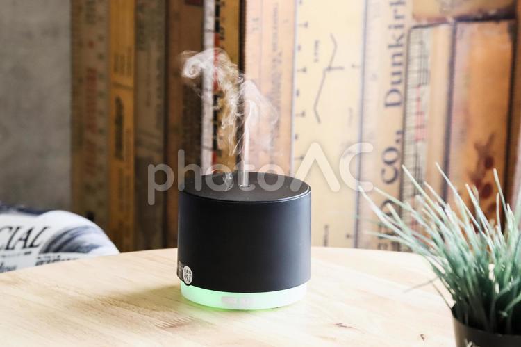 光る加湿器の写真