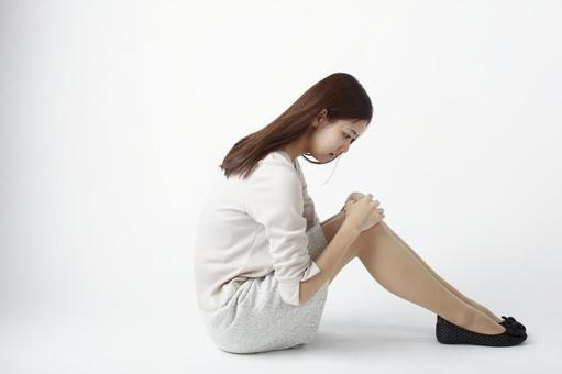 Sitting lady 8