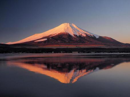 Fuji of Morning glow and Mirror Fuji