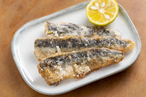 Deep-fried sardines 2