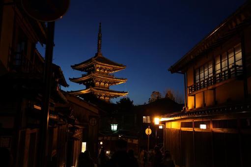 Five-story pagoda at night
