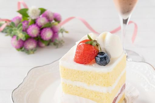 Strawberry short keiki and rose sparkling