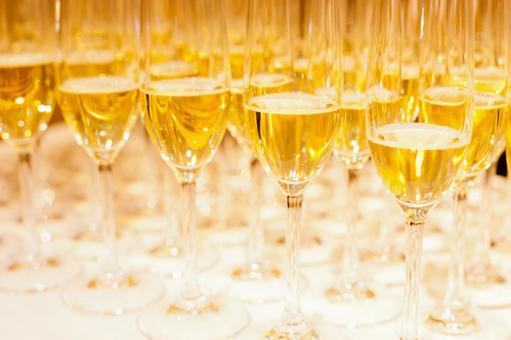 뷔페 스타일의 화이트 와인 1