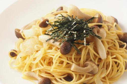 일본식 버섯 스파게티 (버터 간장 맛)