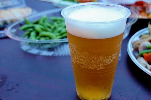 Draft beer outside 4