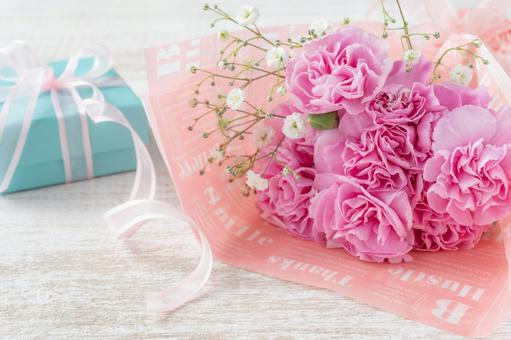 Pink carnation bouquet and gifts