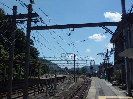 Midsummer JR Joetsu Line at Mizukami Station