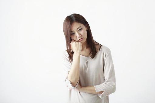 A woman who takes a cheeks 2