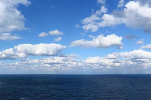 수평선과 푸른 하늘 1