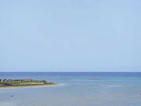 도미 구스 도로에서 본 토요 해변 공원 (오키나와 현 도미 구스 크시 토요)