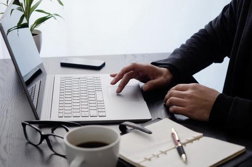 企業形象:PC操作,右鍵盤