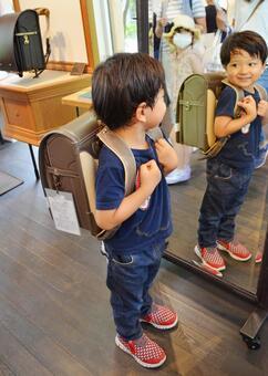 Boy school bag selection