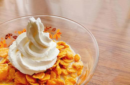 Fresh cream on corn flakes 2