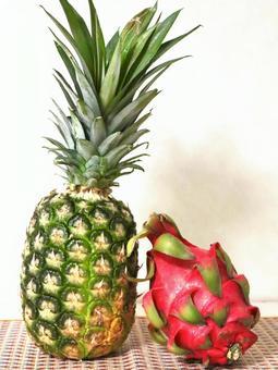 드래곤 과일과 파인애플 5