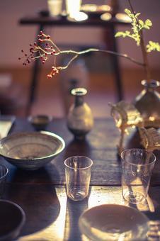 일식 그릇과 유리