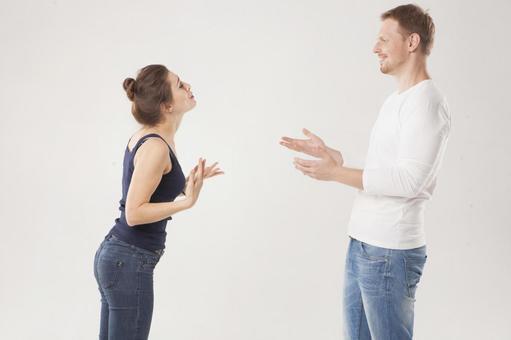 A couple who makes conversations 2