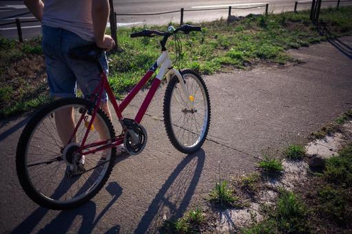 人骑自行车14