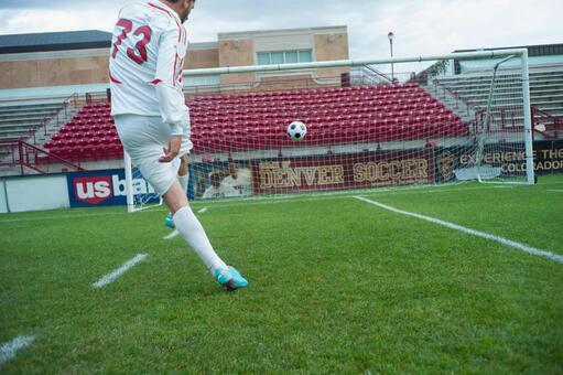 Football kick 22