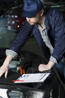 Automobile mechanic 6 to check bonnet 6