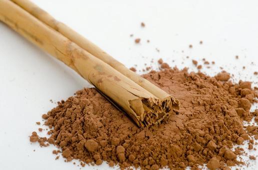 Cinnamon stick and powder 3
