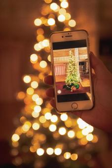 Christmas tree illumination smartphone