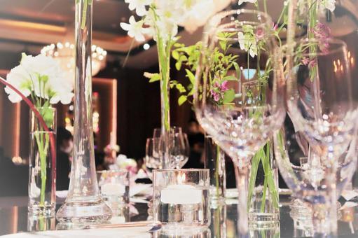 受婚宴啟發的餐桌協調 Glitter