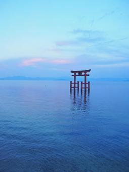 Shirahigi Shrine · Lake Middle Otorii 8