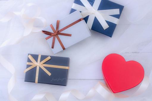 Heart present Valentine wedding image 03