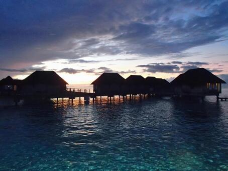 Maldives / Water cottage
