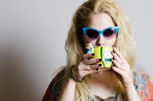 Sunglasses women with cup 2