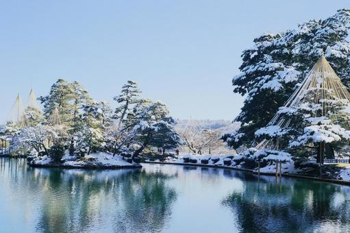 Kenrokuen in the Japanese garden