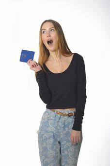 여권을 가진 여자 7