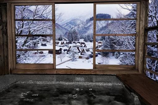 Open-air bath in the snow