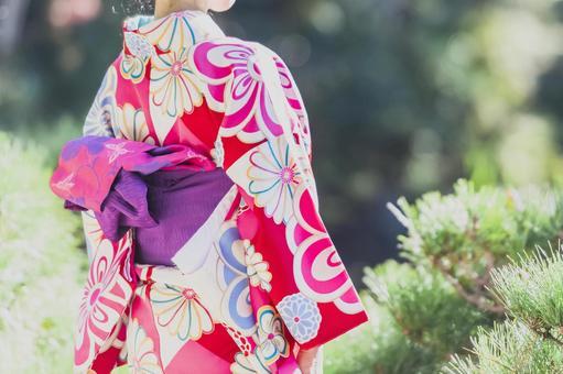 Kimono A woman in a sunny kimono