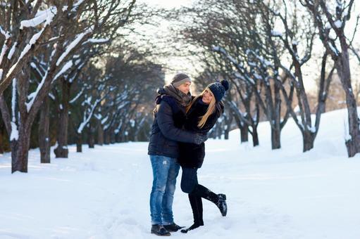 Hugging couple 3