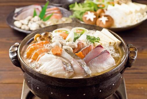 Seafood hotpot image