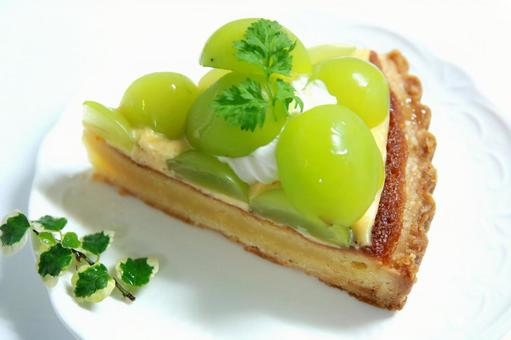 Delicious Shine Muscat Tart Cake Grape