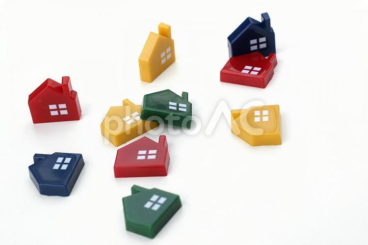 倒れた家の写真