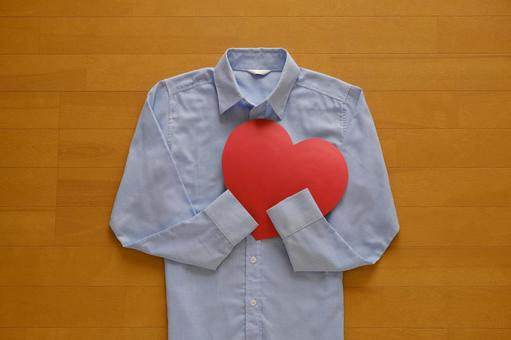 Blue shirt and red heart Heart / Compassion / Thank you Image material