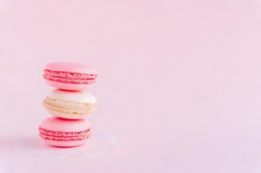 Macaron simple pink background