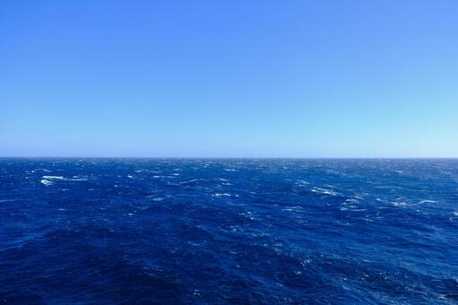 Scenery of only the sea and sky