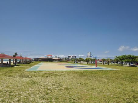 토요 해변 공원 농구 코트 (오키나와 현 도미 구스 크시 토요)