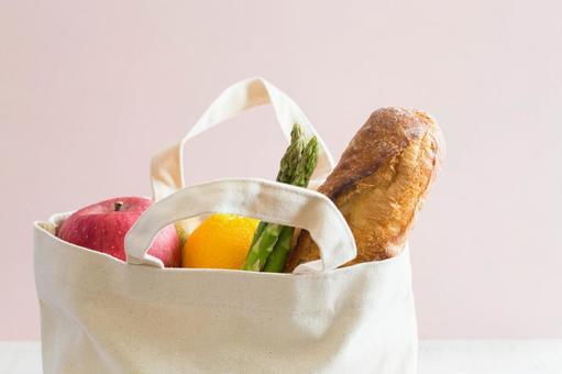 Eco bag and food
