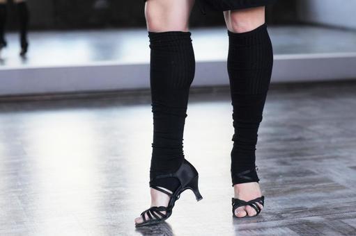 Female dancer's leg 4